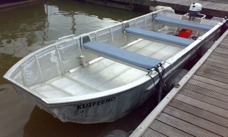 boot-huren-dordrecht-bootverhuur-Drifter_visboot-B005
